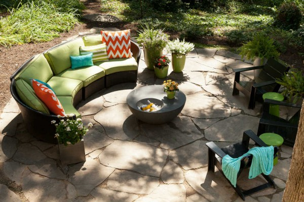A woodland patio space is perfect for entertaining a crowd. </br>(Arlington, Virginia)