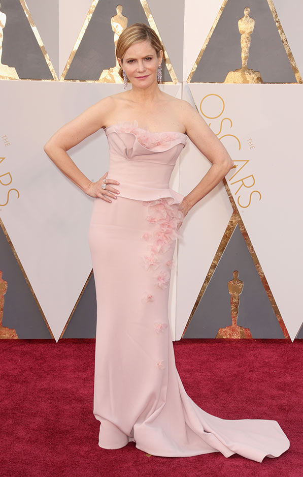 Jennifer Jason Leigh in petal soft Marchesa