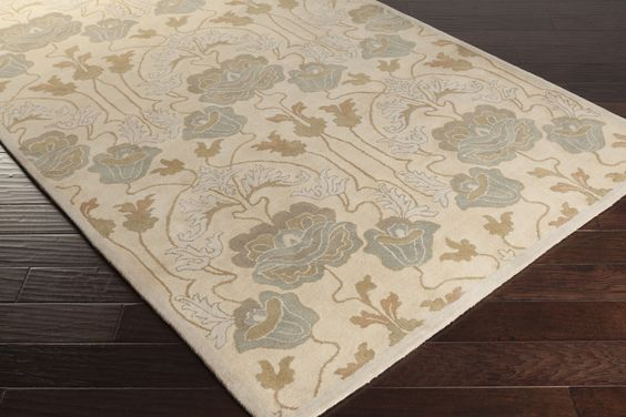 Soft floral rug from Surya