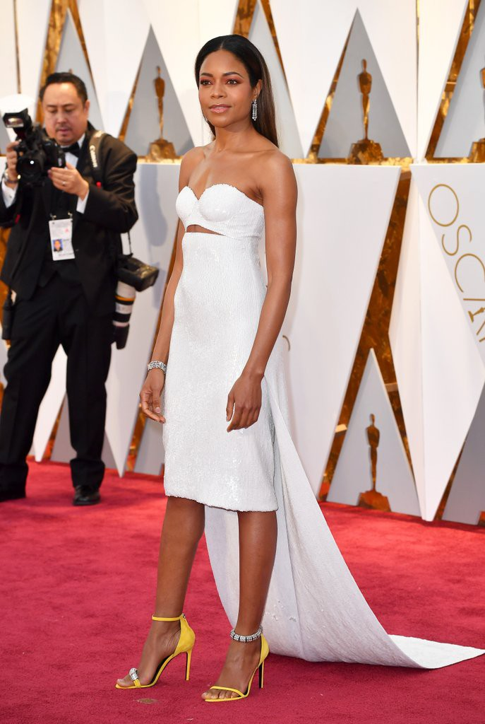 Naomie-Harris-Calvin-Klein-2017-Oscars